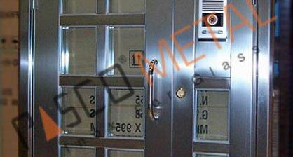 Paslanmaz Çelik Kapılar